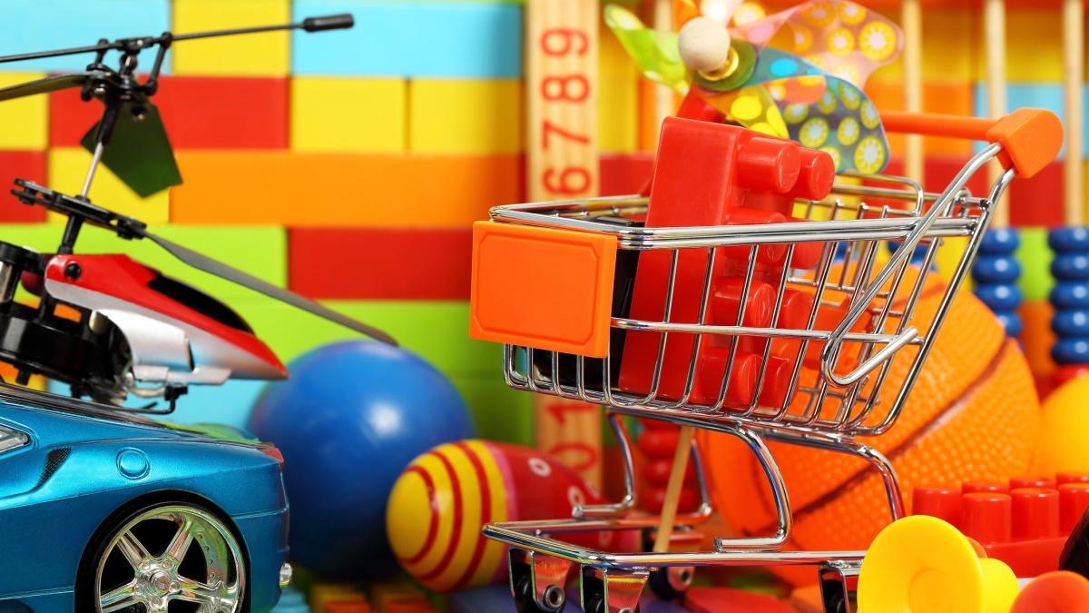Cinco brinquedos e jogos para divertir as crianças lá de casa!